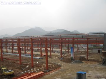 China Wide Span Pre-Engineering Industrial Steel Buildings Frame , Movable Container House supplier