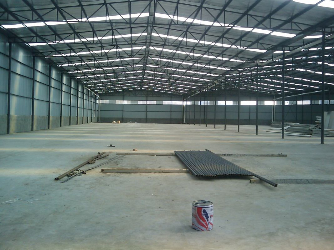 Metal pre engineered building fabrication with steel panel for Pre engineered trusses