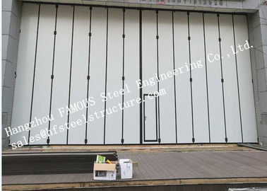 China Aluminum Alloy Frame Upper Track Industrial Accordion Doors For Aircraft Hangar factory