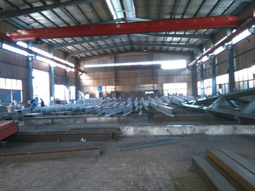 China Steel Structure Industrial Steel Buildings pre engineered With Roof Panles factory