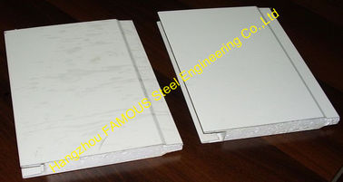 China Water Resistant Insulated Sandwich Panels For Wall , Roof Sheets factory