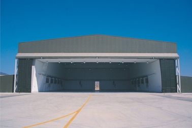 China OEM Hot Dip Galvanized, Steel Wide Span Aircraft Hangar Buildings And Airport Terminals factory